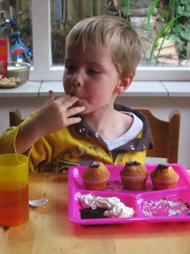 Verbondenheid met de materie: taartjes maken